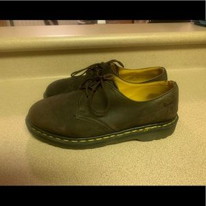 PreOwned Doc Martens 3 eyelets Men's 8 Brown